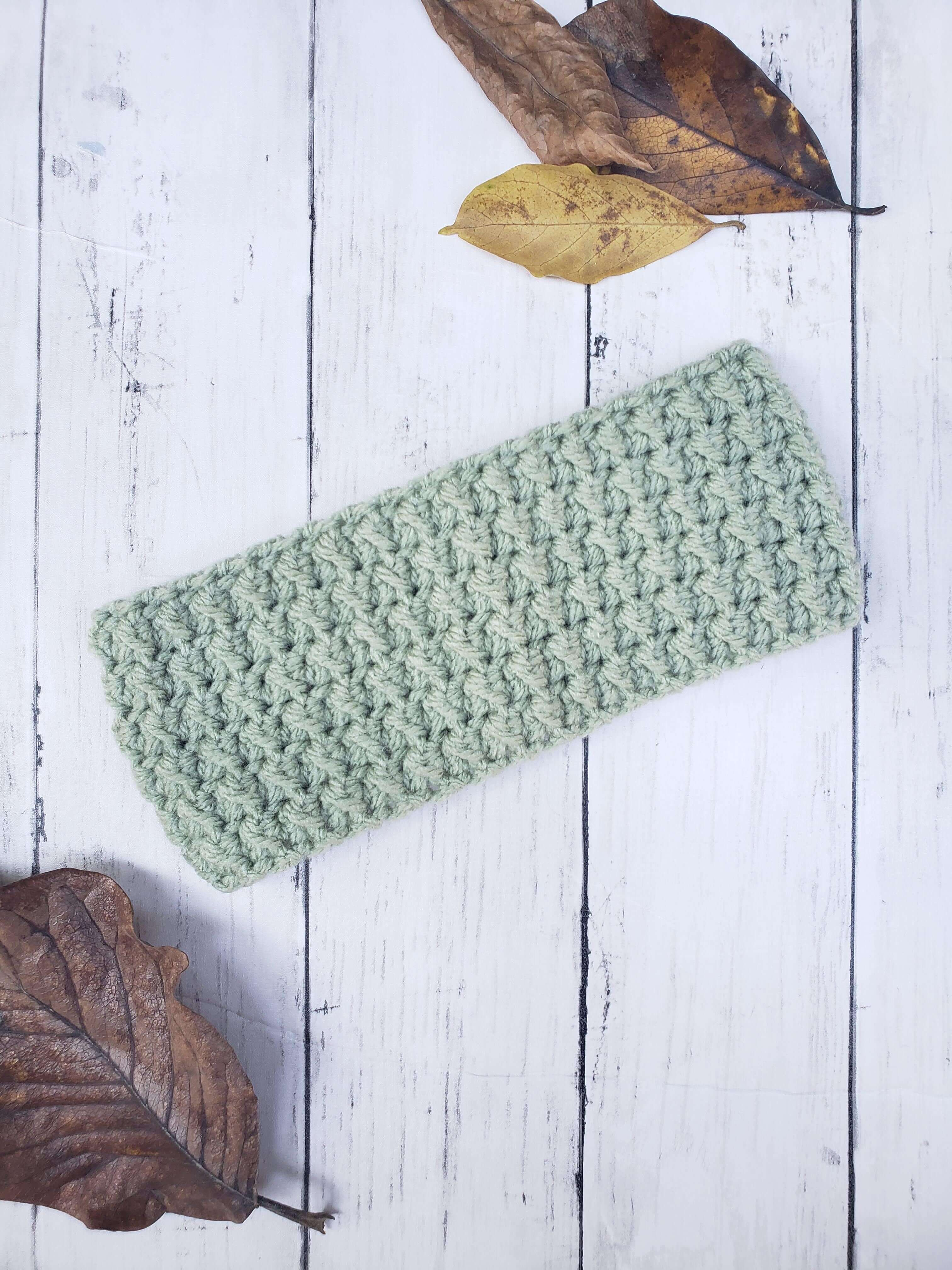 Messy Bun Ear Warmer - Leaf Green