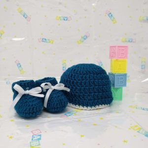 Teal newborn booties and hat set